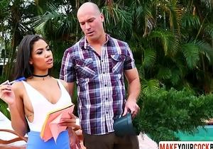 Latina Step Mom Shay Evans Gets Pussy Drilled - DiamondCox.com