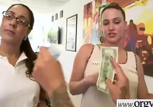 (Esmi Lee&amp_Kendra Lynn) Superb Girl For Money In Hard Sex Show On Cam vid-11