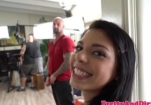 Behind the scenes of babe blow banging guys