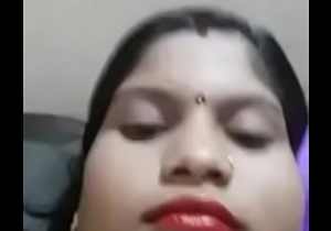Sexy desi wife showing boobs for Bf