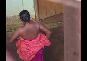 Desi village horny bhabhi nude bath show caught by hidden cam