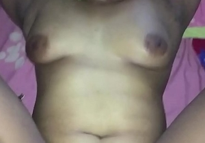 Desi wife'_s empty pussy filled it by hubby